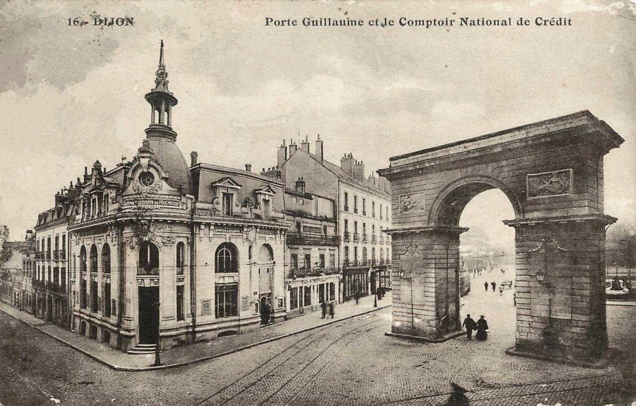 Dijon (Côte d'Or) La Place Darcy et la porte Guillaume CPA