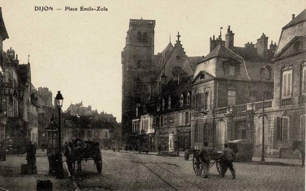 Dijon (Côte d'Or) La place Emile Zola CPA