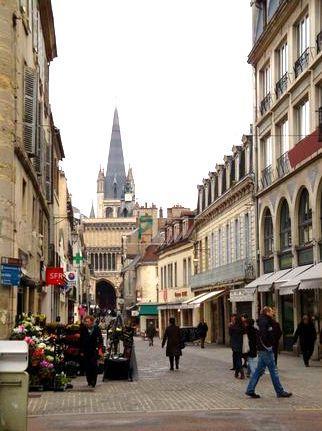 Dijon (Côte d'Or) La rue Musette
