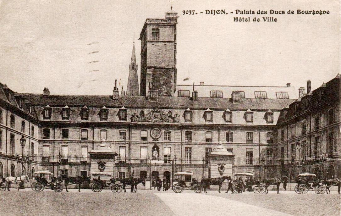 Dijon (Côte d'Or) Le Palais des ducs de Bourgogne, Hôtel de VilleCPA