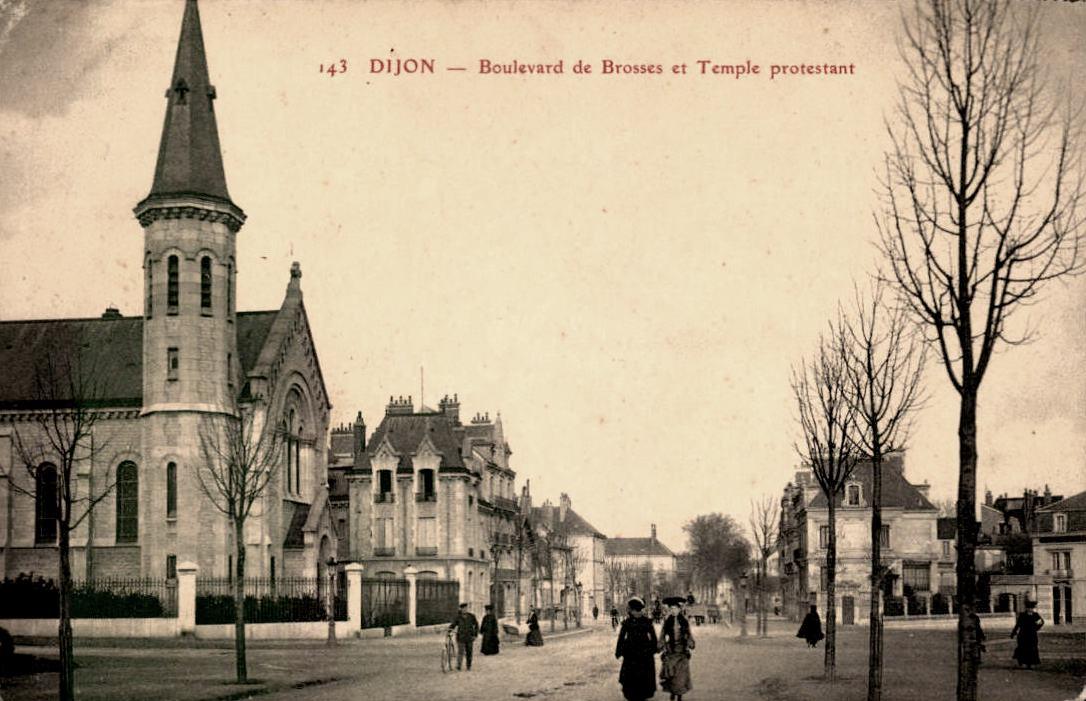 Dijon (Côte d'Or) Le Temple protestant, et le boulevard de Brosses CPA