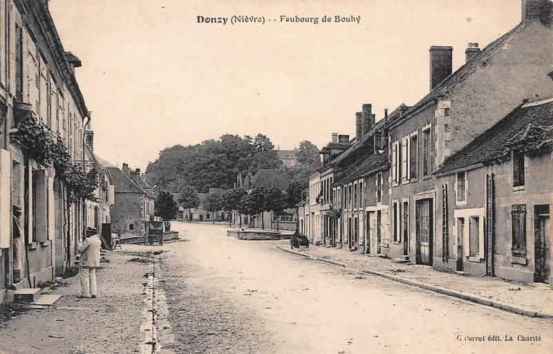 Donzy (Nièvre) Faubourg de Bouhy CPA