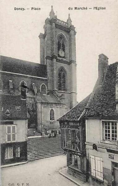 Donzy (Nièvre) L'église Saint Caradeuc CPA