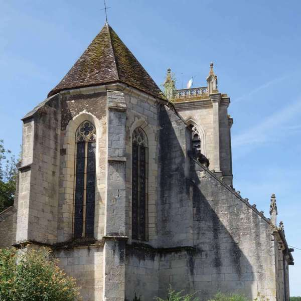 Donzy (Nièvre) L'église Saint Caradeuc