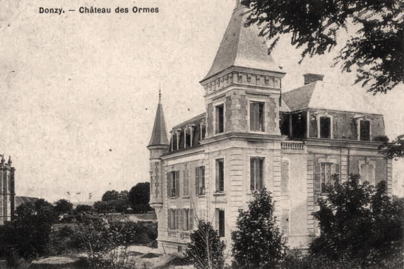 Donzy (Nièvre) Le château des Ormes CPA