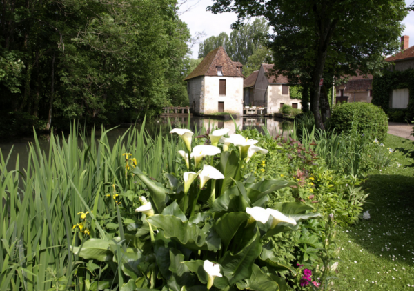 Donzy (Nièvre) Le Moulin du Commandeur