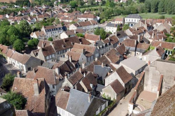 Donzy (Nièvre) Vue générale