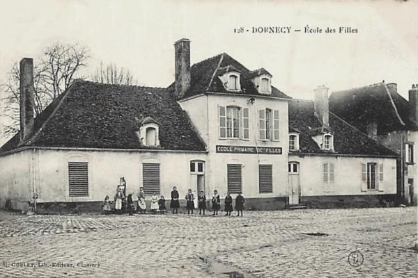 Dornecy (Nièvre) L'école de filles CPA