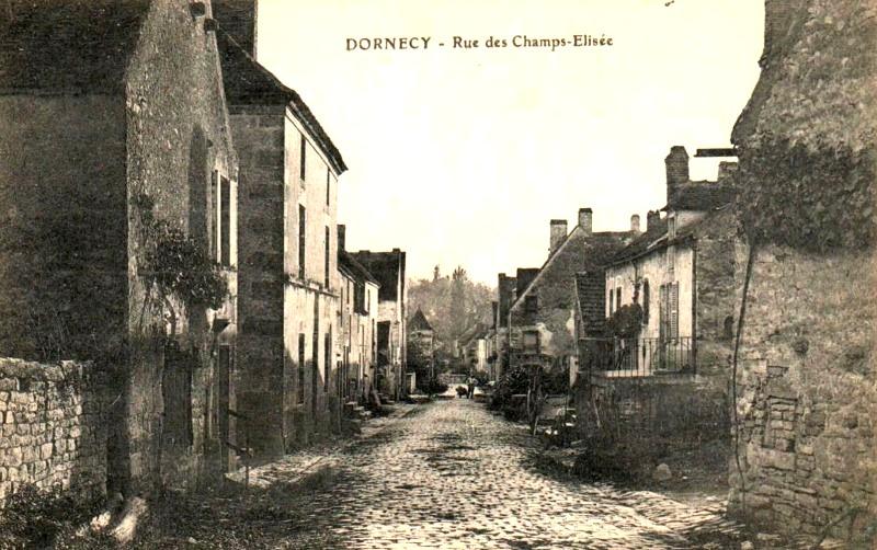 Dornecy (Nièvre) La rue des Champs-Elysées CPA