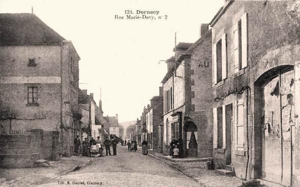 Dornecy (Nièvre) La rue Marié-Davy CPA