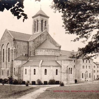 Dourgne (Tarn) CPA Abbaye Saint Benoit d'En-Calcat