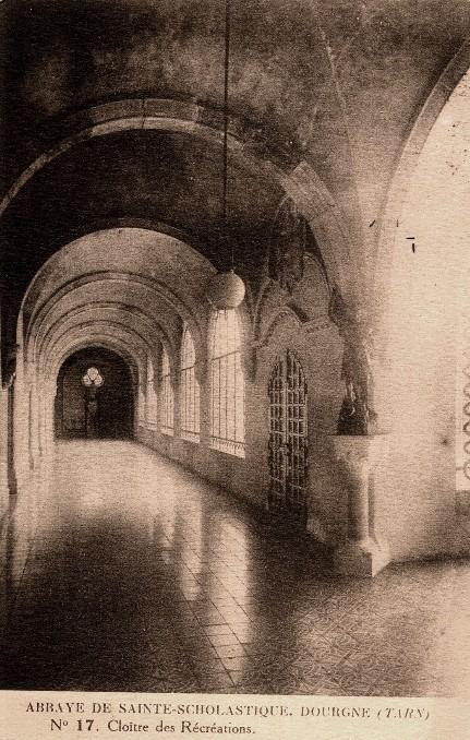 Dourgne (Tarn) CPA Abbaye Sainte Scholastique, cloitre des récréations