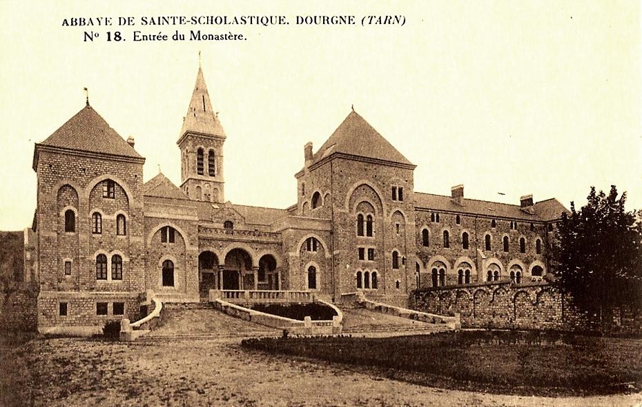 Dourgne (Tarn) CPA Abbaye Saint Scholastique d'En-Calcat, entrée