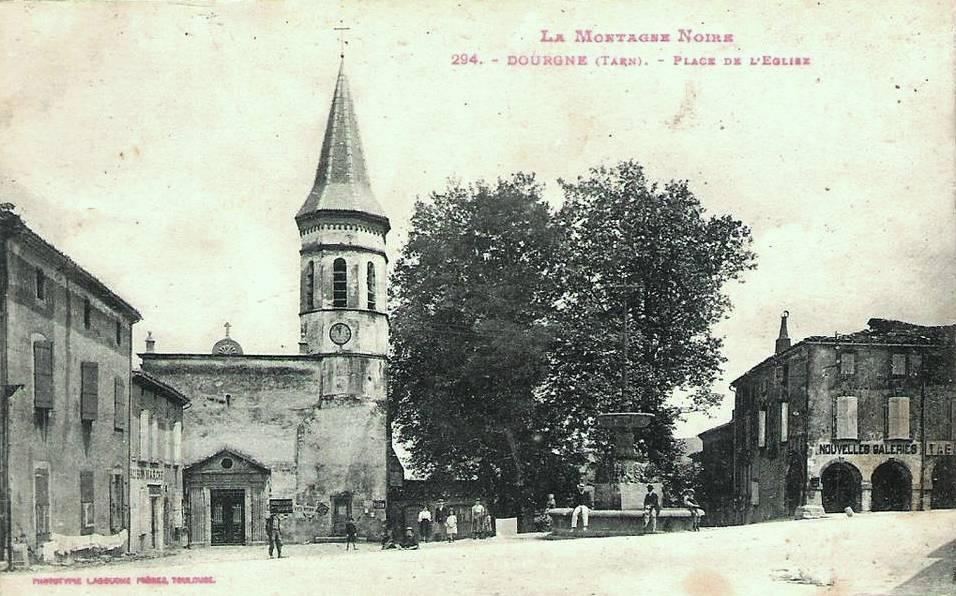 Dourgne (Tarn) CPA place de l'église