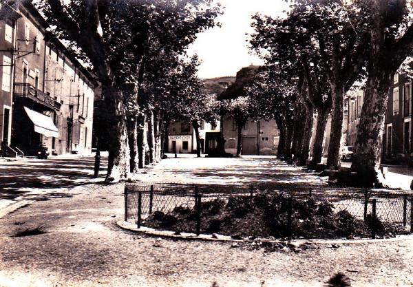 Dourgne (Tarn) CPA promenade