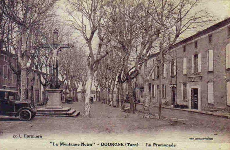 Dourgne (Tarn) CPA promenade et calvaire
