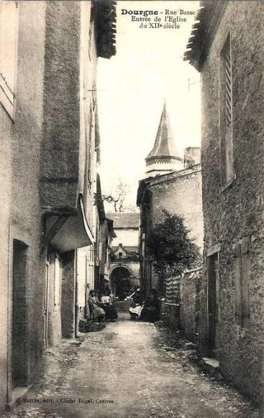 Dourgne (Tarn) CPA rue Basse du XIIème siècle