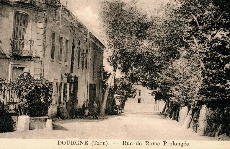Dourgne (Tarn) CPA rue de Rome prolongée