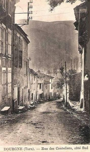 Dourgne (Tarn) CPA rue des Couteliers
