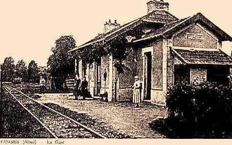 Essises (Aisne) CPA la gare