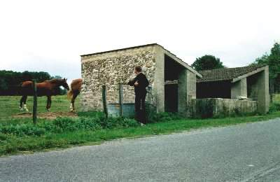 Essises (Aisne) le lavoir des Caquerêts