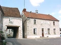 Essises (Aisne) mairie et passage Napoléon