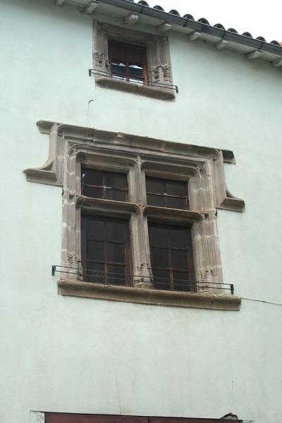 Fayet (Aveyron)  Fenêtre ancienne