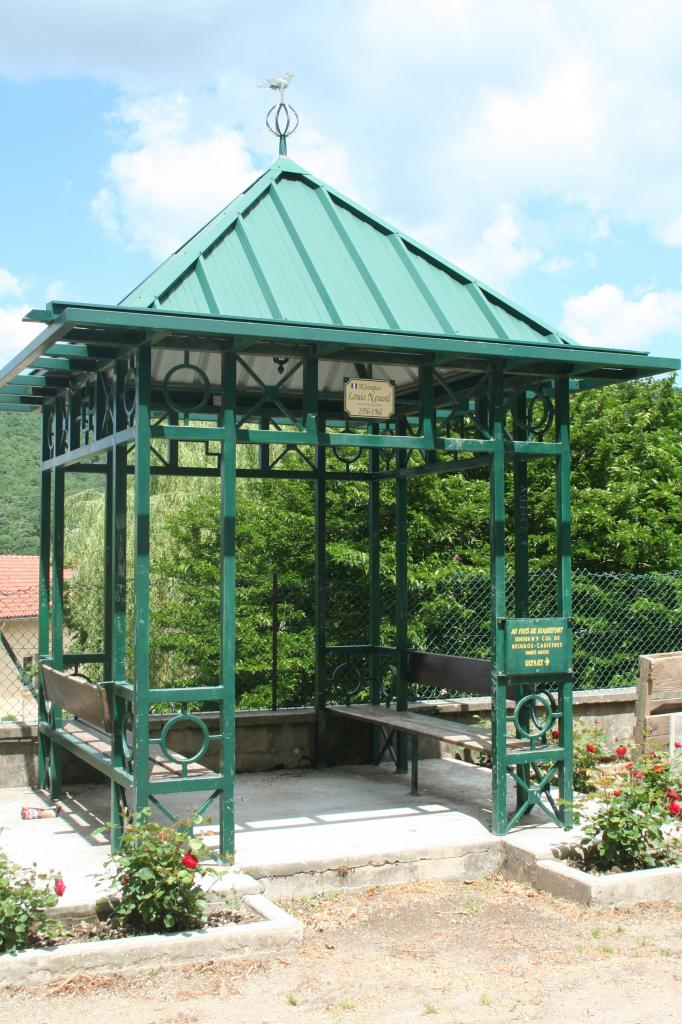 Fayet (Aveyron)  Kiosque Louis Nouvel