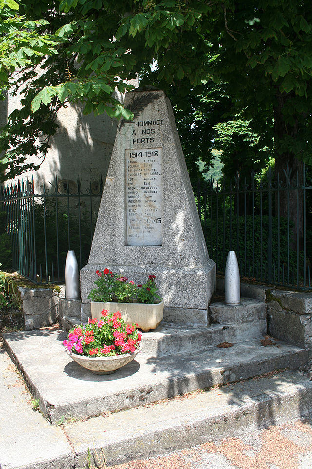 Fayet (Aveyron)  Monument aux morts