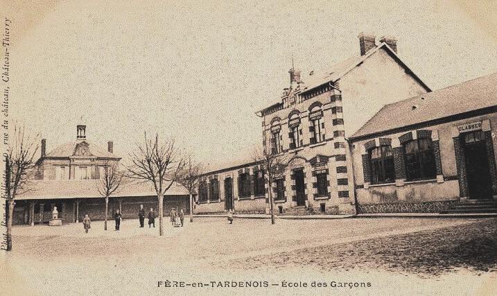 Fère-en-Tardenois (Aisne) CPA l'école des garçons