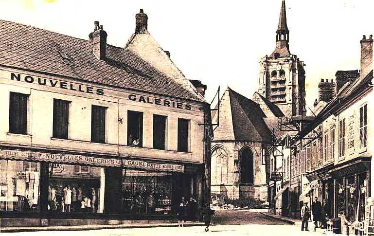 Fère-en-Tardenois (Aisne) CPA l'église et les Nouvelles Galeries