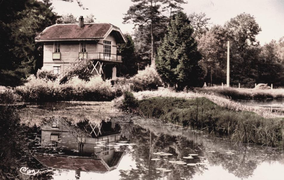 Fère-en-Tardenois (Aisne) CPA l'étang et le chalet