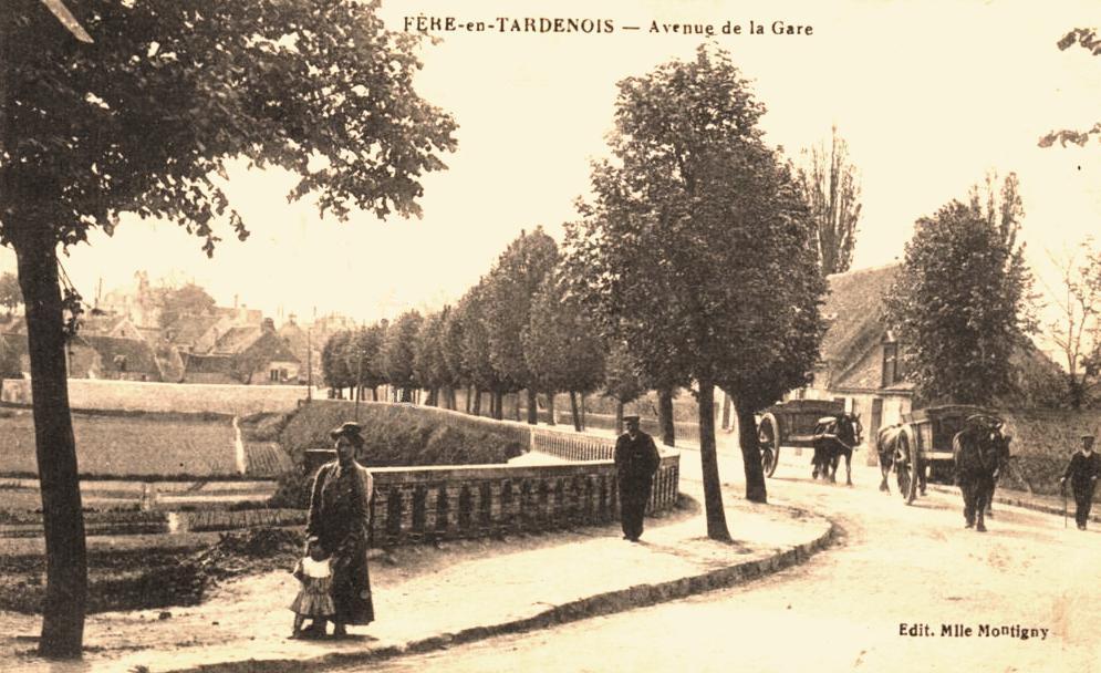Fère-en-Tardenois (Aisne) CPA la rue de la gare