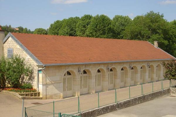 Fleurey-sur-Ouche (Côte d'Or) L'ancien lavoir, salle-des-fêtes