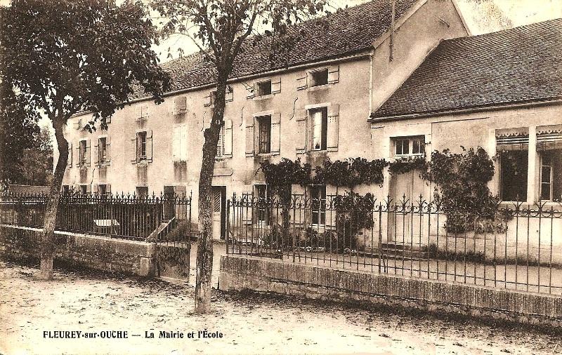 Fleurey-sur-Ouche (Côte d'Or) L'ancienne mairie CPA