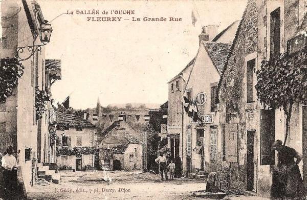 Fleurey-sur-Ouche (Côte d'Or) La grande rue CPA