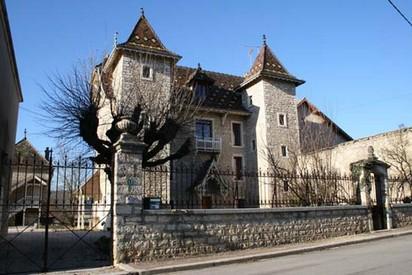 Fleurey-sur-Ouche (Côte d'Or) Le Castel