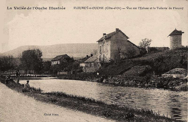 Fleurey-sur-Ouche (Côte d'Or) Le moulin à vent et le canal CPA
