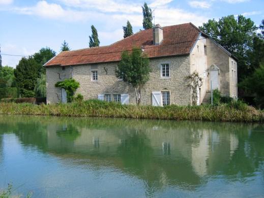 Fleurey-sur-Ouche (Côte d'Or) Le Moulin des Roches