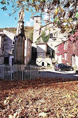 Fondamente (Aveyron) Place de la Vierge