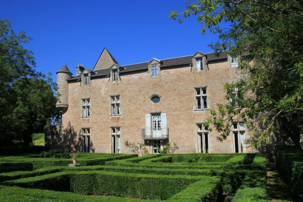 Gissac (Aveyron) Château de Gissac, hôtel de charme