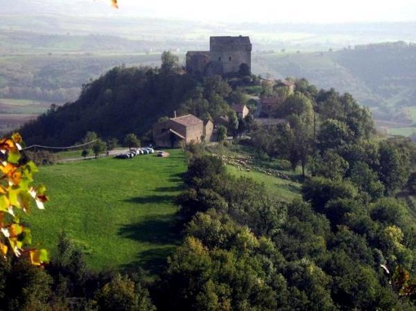 Gissac (Aveyron) Château de Montaigut
