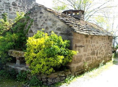Gissac (Aveyron) Four banal