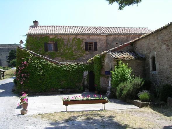 Gissac (Aveyron) Presbytère