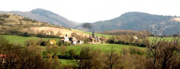 Gissac (Aveyron) Vue panoramique de la chapelle