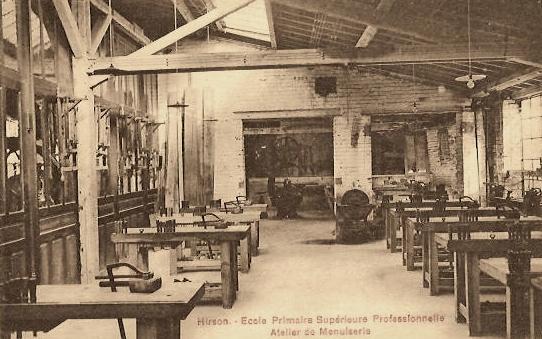Hirson (Aisne) CPA l'école, atelier de menuiserie
