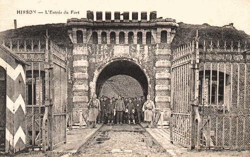 Hirson (Aisne) CPA l'entrée du fort Dubois
