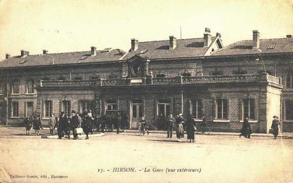 Hirson (Aisne) CPA la gare en 1930