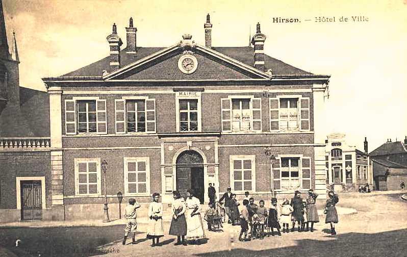 Hirson (Aisne) CPA l'ancien hôtel de ville