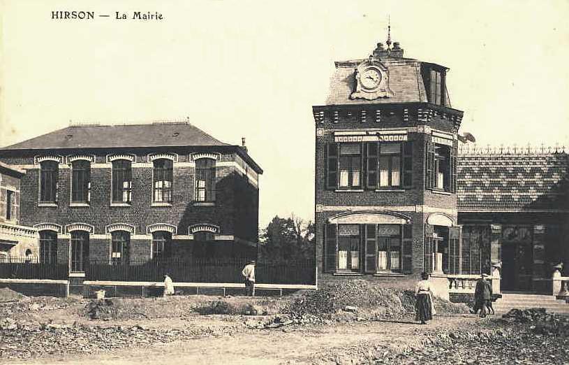 Hirson (Aisne) CPA l'hôtel de ville